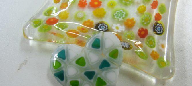 三角ミルフィオリをハートに【ガラス教室生徒さん作品】